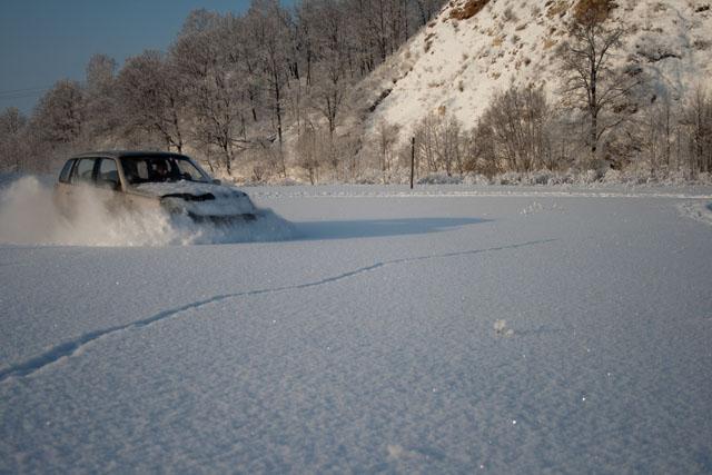 Шеви Нива по снегу