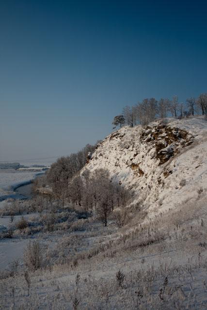 Голубое озеро зимой