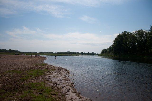 Пляж на реке Сим