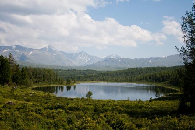 Озеро Алтай
