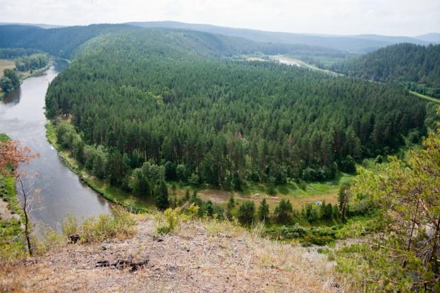 Скала Пещера река Белая