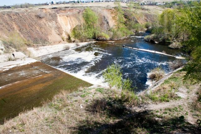 Плотина на реке Худолаз