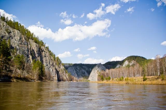 Река Белая и гора Кабан-таш