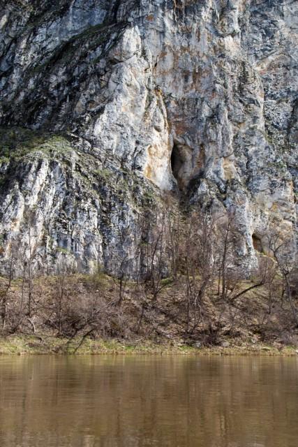 Антониевская пещера река Белая