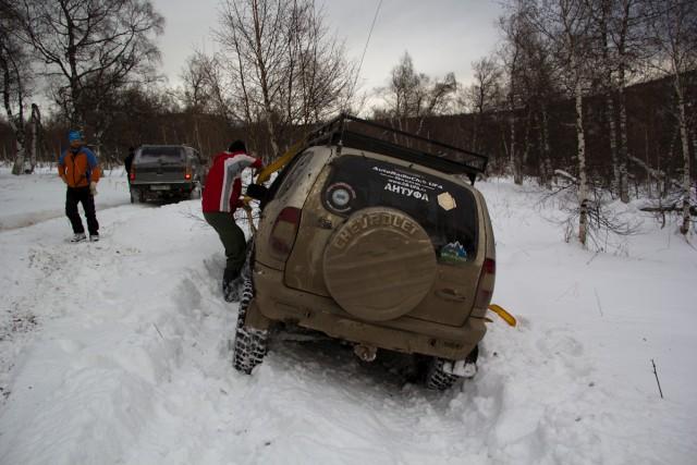 Шеви Нива в снегу