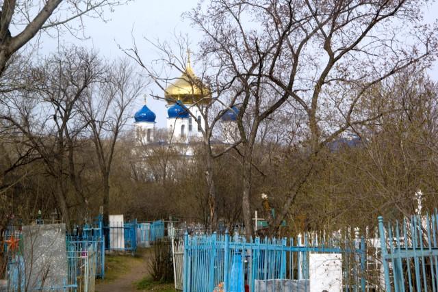 Кладбище и церковь Преображения Господня