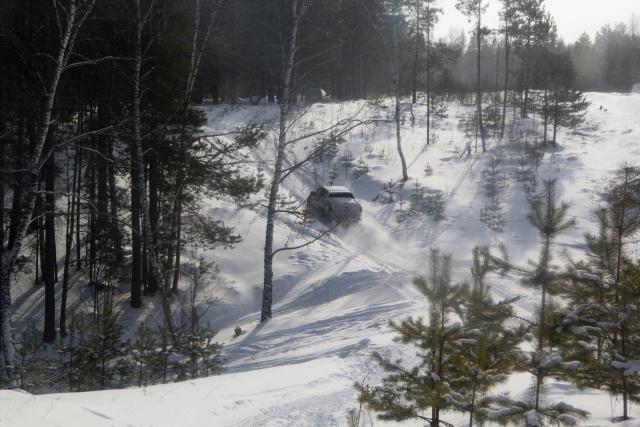 L200 едет в гору